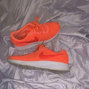 Nike tarjun sneakers